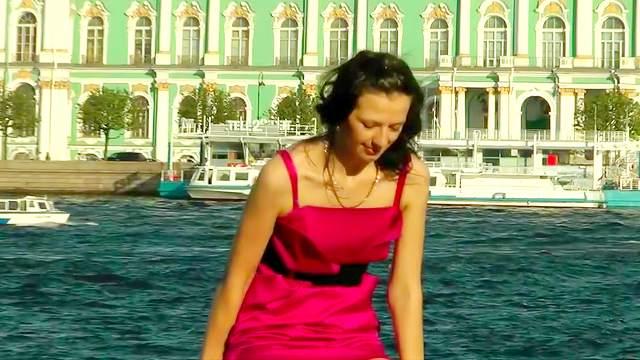 Hot brunette in tight dress gets an upskirt