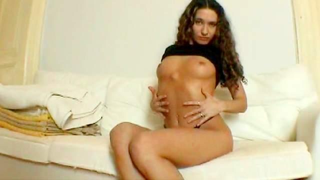 Cute brunette Vivien L shows her juicy ass and legs