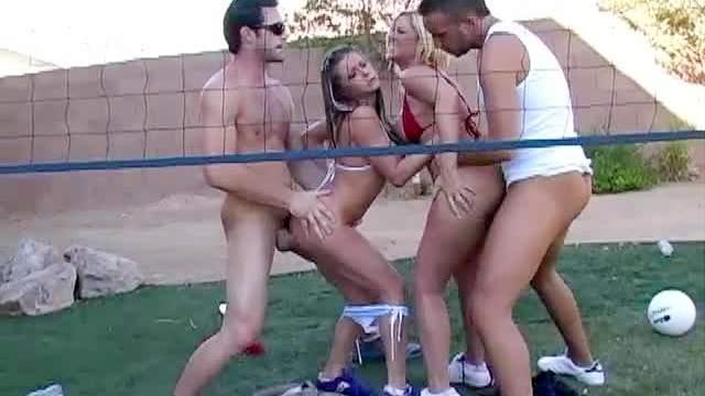 Foursome with bikini babes