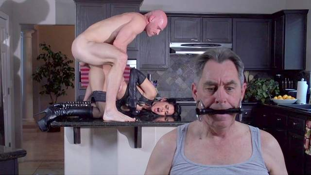 Isis Love being creampied by Johnny Sins