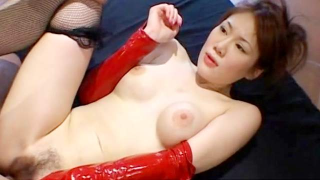 Asian model with hairy puss fuck on the bed
