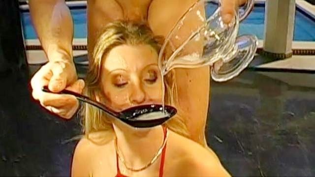 Melanie Moon and Fatma are swallowing sperm loads