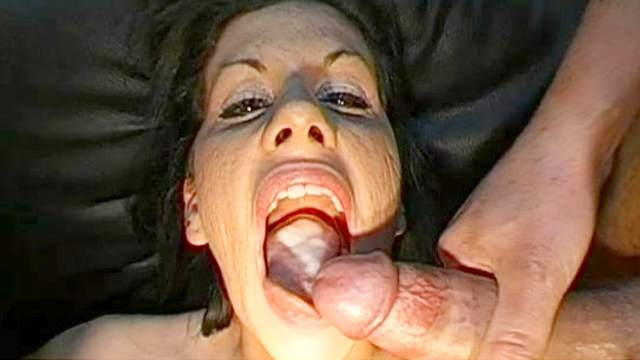 Saskia and Susanne are swallowing big loads of cum
