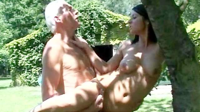Patricia fuck with an old banger Johan on the grass