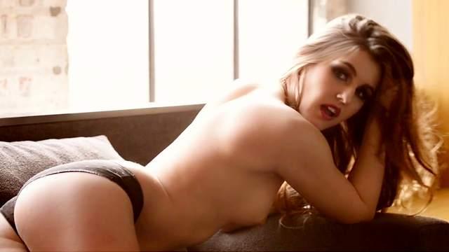 Christine Carter  nackt