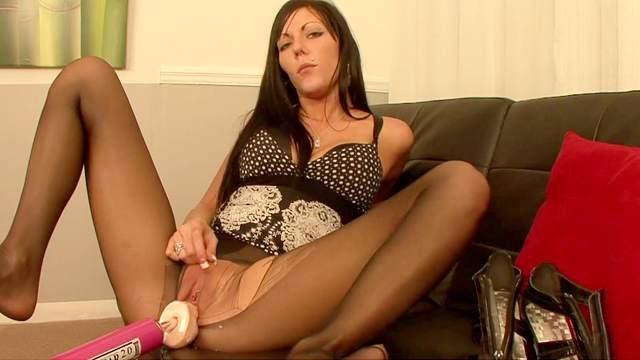 Babes, Brunette, Fucking machine, HD, Lingerie, Masturbation, Nylon, Pantyhose, Solo girl