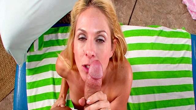Mom blonde Angela Attison is sucking a big pole