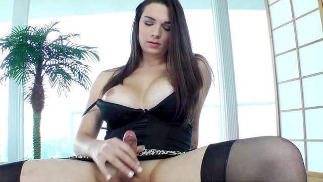 Fake-tit shemale Acadia Veneer and her dick