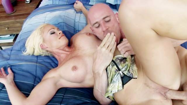 Rhylee Richards is in for a devouring fuck