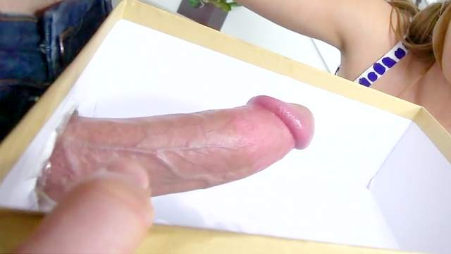 Strong experience with a huge dick for slutty Melissa Moore