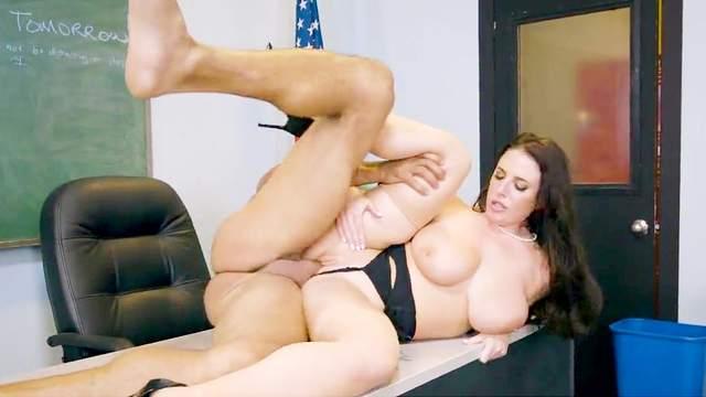 Angela White, Karlo Karerra