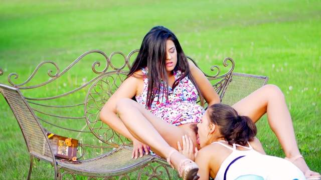 Super hot lezzie romance in the park with two teens