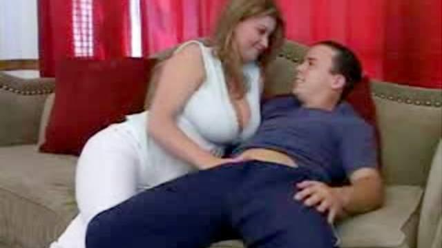 Handjob and hot making out