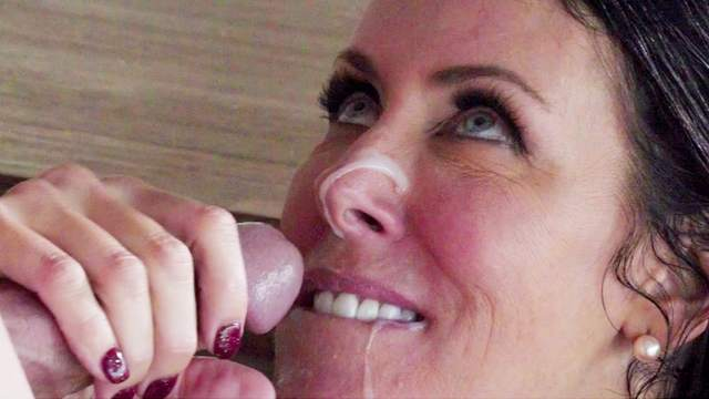 Top mature enjoys the dick in all possible modes