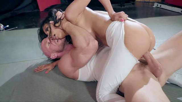 Tia Cyrus, Johnny Sins