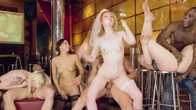 Lucia Love, Ella Hughes, Carly Rae, Suzi Rainbow
