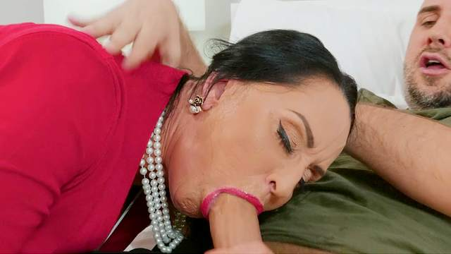 Big ass mature gets laid with her daughter's boyfriend