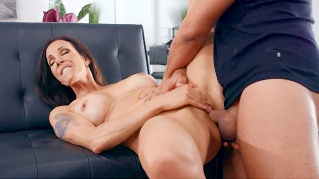 Man with steel inches shows this cheating wife the best orgasms