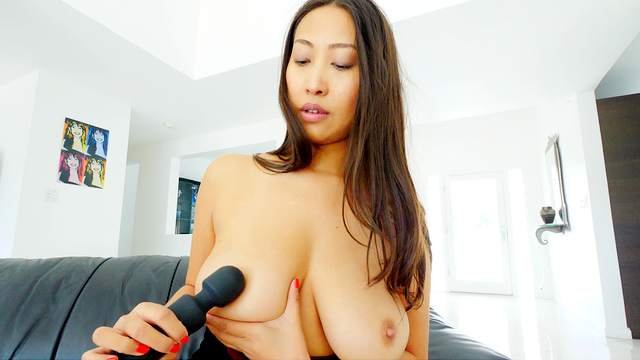 Perfect Asian with big naturals, soft solo with a big toy