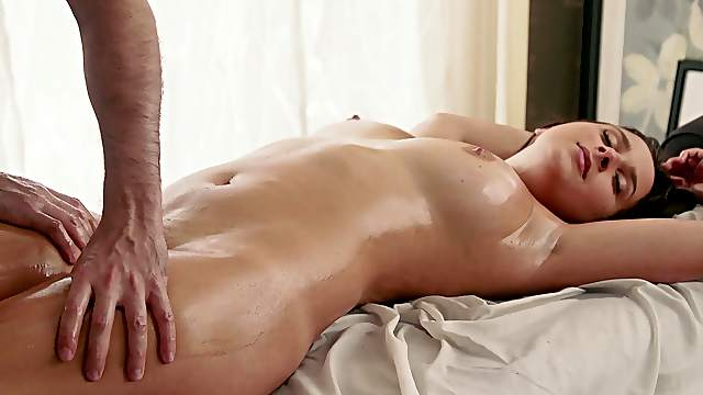 Strong cock for babe's tight cunt in superb massage XXX