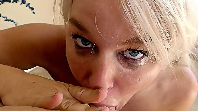 Blonde MILF loaded after strong anal sex