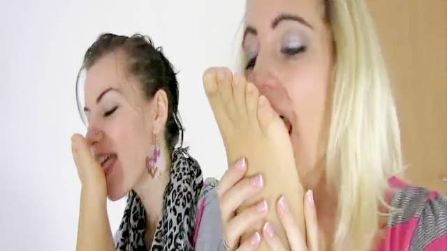 Femdom, Foot fetish, Leather, Toes