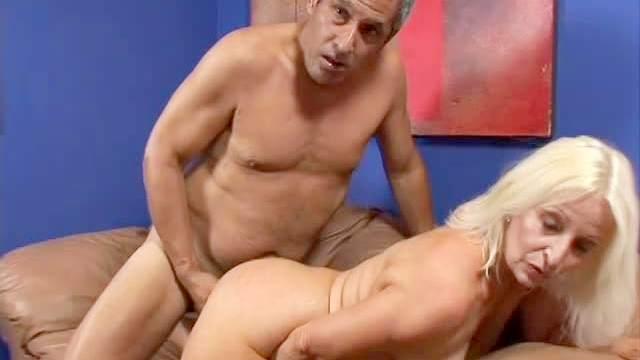 Old and sexy Vikki Vaughn wants her brave macho