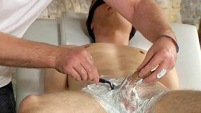 мужчины бреют волосы вокруг члена фото - 4
