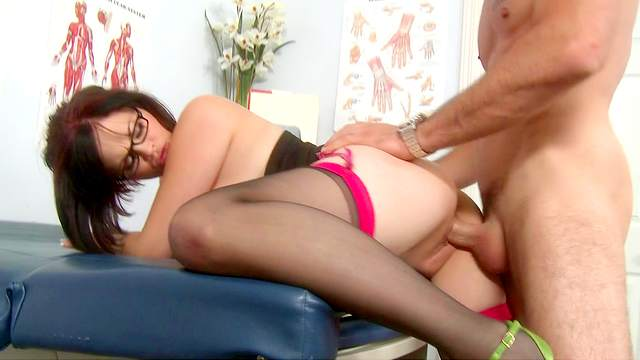 Charles Dera loves to lick puss and legs of Katie Kox
